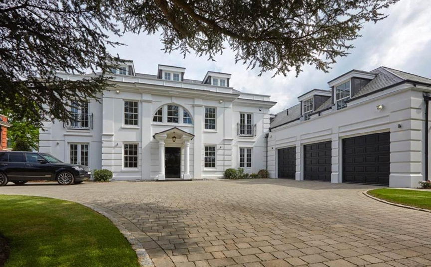 Esher-town-house-1